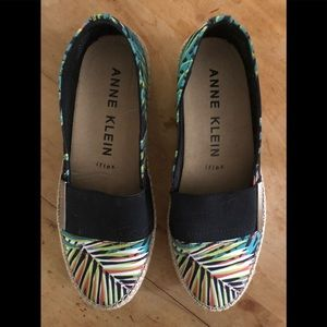 Anne Klein slip on canvas espadrilles flats 8